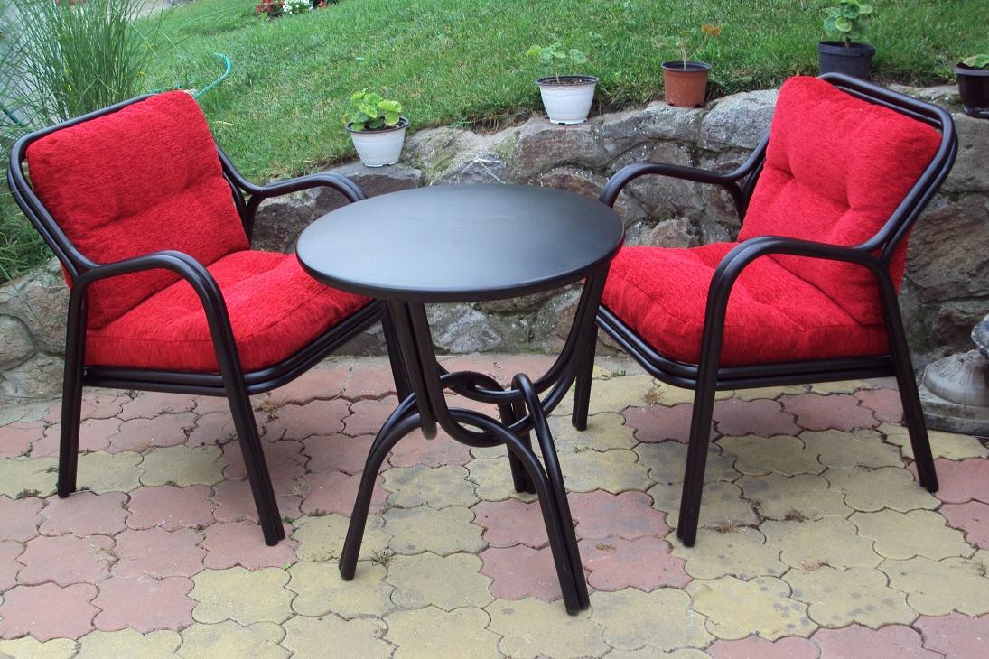 Garnitura - 2 fotelje i sto