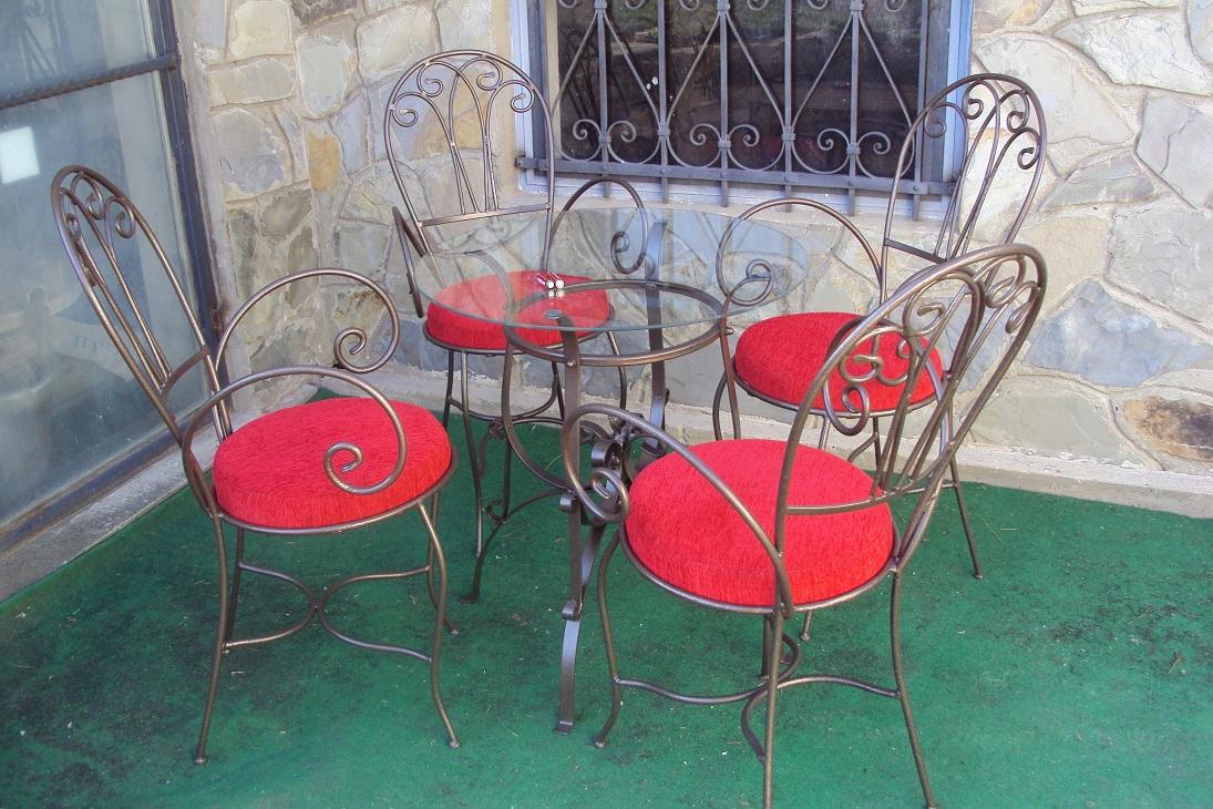 Garnitura kovanih stolica (4+1)