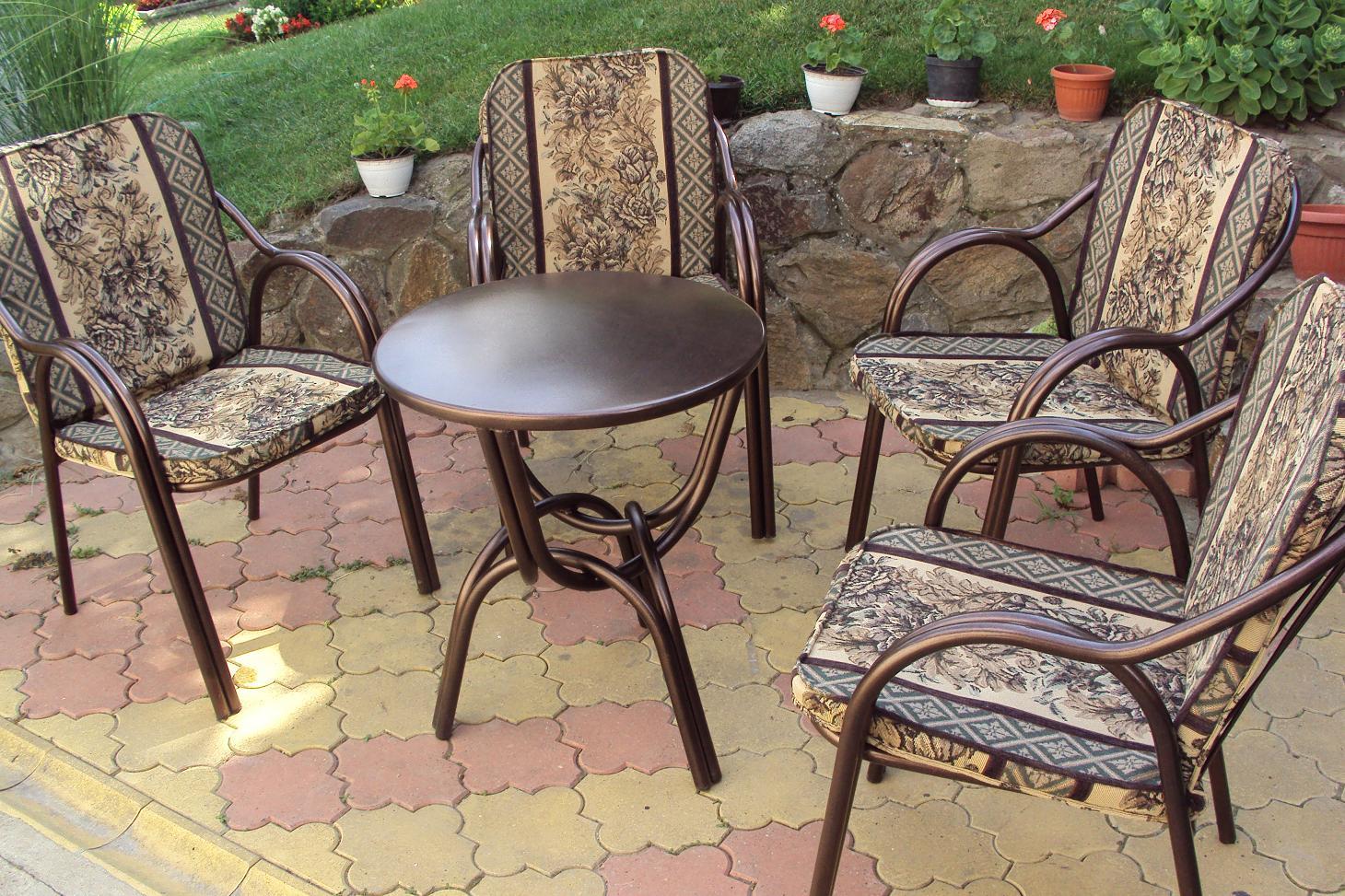 Garnitura metalnih stolica - lepeza